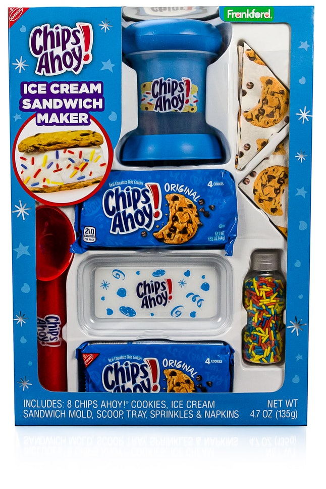 The Chips Ahoy! ice cream sandwich maker comes with everything you need.