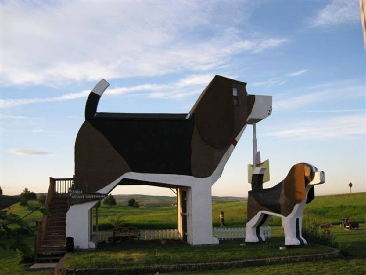 A photo of the Dog Bark Park Inn Bed and Breakfast that's listed on Airbnb.