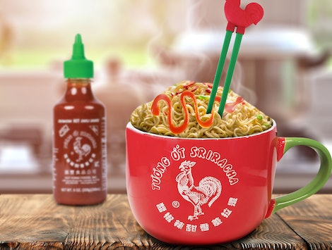 The Sriracha Ramen Noodle Gift Set at Walmart is the perfect holiday gift for the hot sauce lovers in your life.