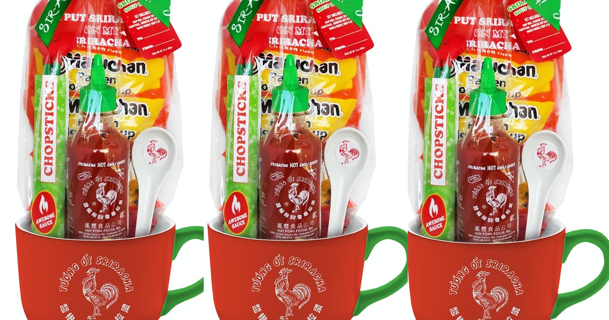 This Sriracha Gift Set Is $15 Of Rooster Sauce Bliss