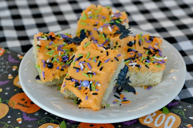 These simple Halloween sheet pan cookies are great for taking to parties.
