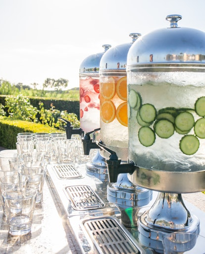 Various lemonades and flavored mocktails are a great alternative to alcohol at sober weddings.