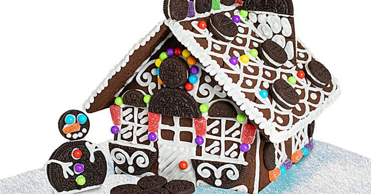 "This Oreo ""Gingerbread"" House Kit Is A Chocolatey Twist On A Holiday Classic"