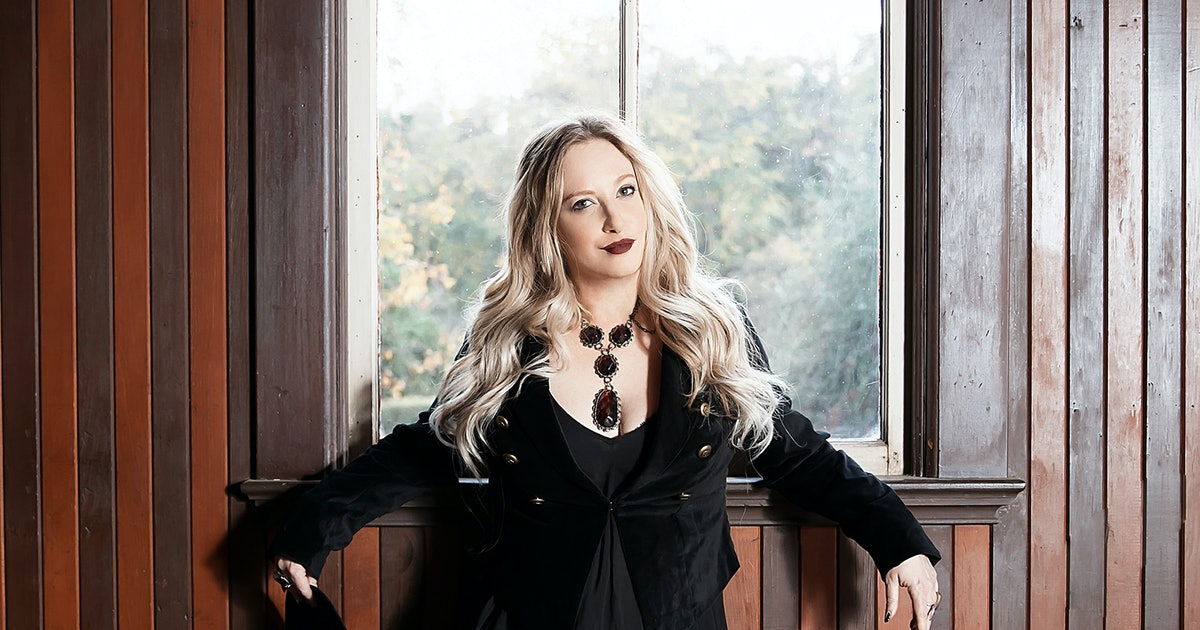 Leigh Bardugo Wants Ninth House To Quot F Ck You Up A Little Quot