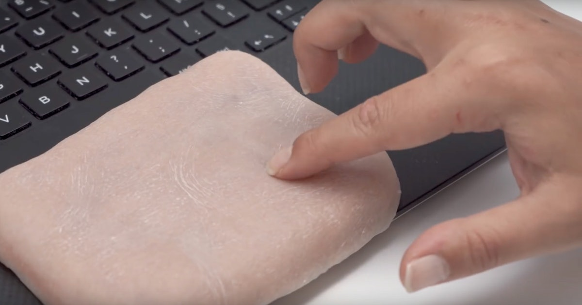 Scientists develop artificial human skin for tech devices