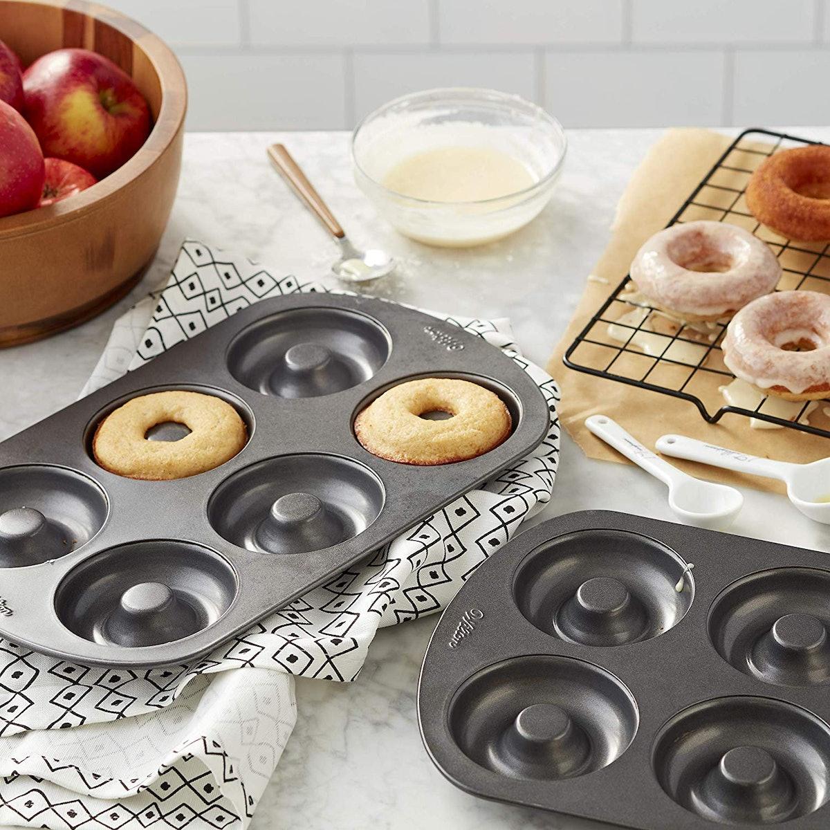 Wilton Non-Stick Donut Baking Pans (2-Pack)