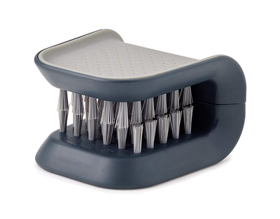 Joseph Joseph BladeBrush Cutlery Cleaner