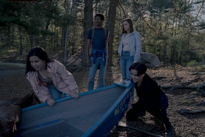 Elsie Fisher and the cast of Castle Rock