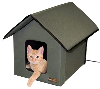 K&H Pet Products Outdoor Kitty House Insulated Cat Shelter (Heated or Unheated)