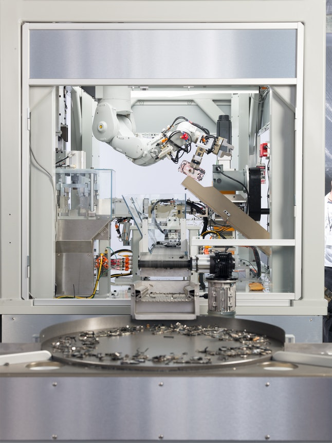Apple's Daisy bot, which disassembles iPhones in the Material Recovery Lab.