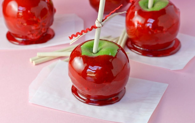 Foolproof candy apples are easy to make as Halloween snacks for the classroom.