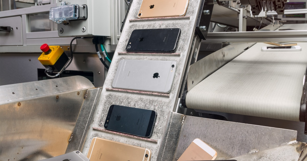 That Old iPhone Sitting In Your Night Stand? Tim Cook Is Actually Going To Need That Back