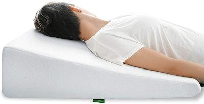 Cushy Form Wedge Pillow