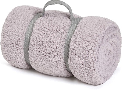GONAAP Cozy Warm Sherpa Throw Blanket