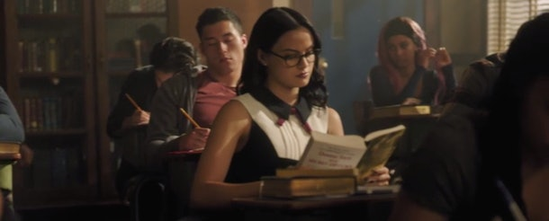 Veronica reading in 'Riverdale'