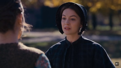 Sue (Ella Hunt) makes a confession to Emily (Hailee Steinfeld) in 'Dickinson.'