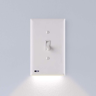 SnapPower LED Outlet Light