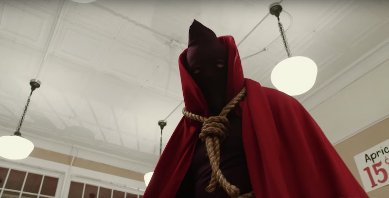 """'Watchmen's Hooded Justice In A Scene From """"American Hero Story"""""""