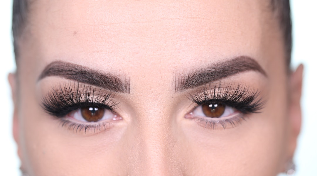 Anastasia Beverly Hills' new False Lashes application look