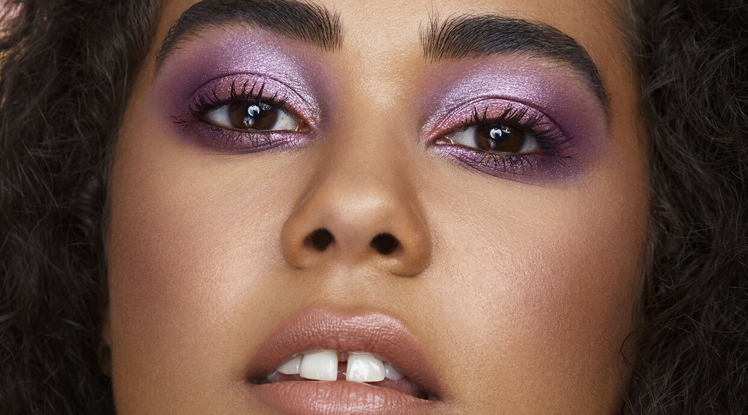 Huda Beauty's new Mercury Retrograde palette eyeshadow look