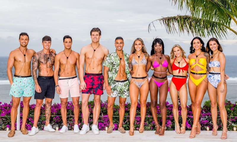 The cast of 'Love Island Australia' Season 2 poses together at the villa.
