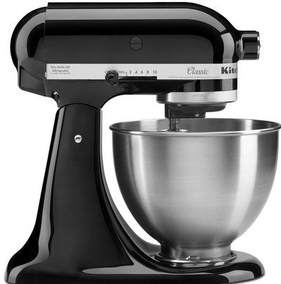 KitchenAid Classic Series Tilt-Head 4.5 Quart Onyx Black Stand Mixer