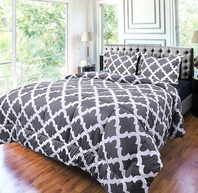 Utopia Comforter Set (3 Pieces, Queen)