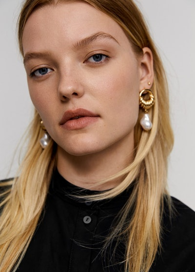 Leandra Medine x Mango Pearl Pendant Earrings