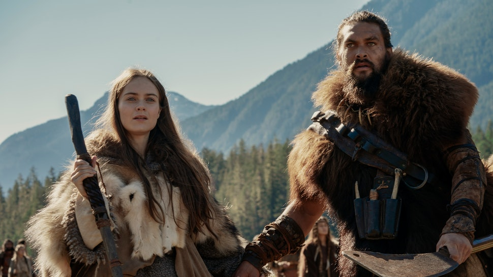 Maghra (Hera Hilmar) and Baba Voss (Jason Momoa) star in 'SEE' on Apple TV+.