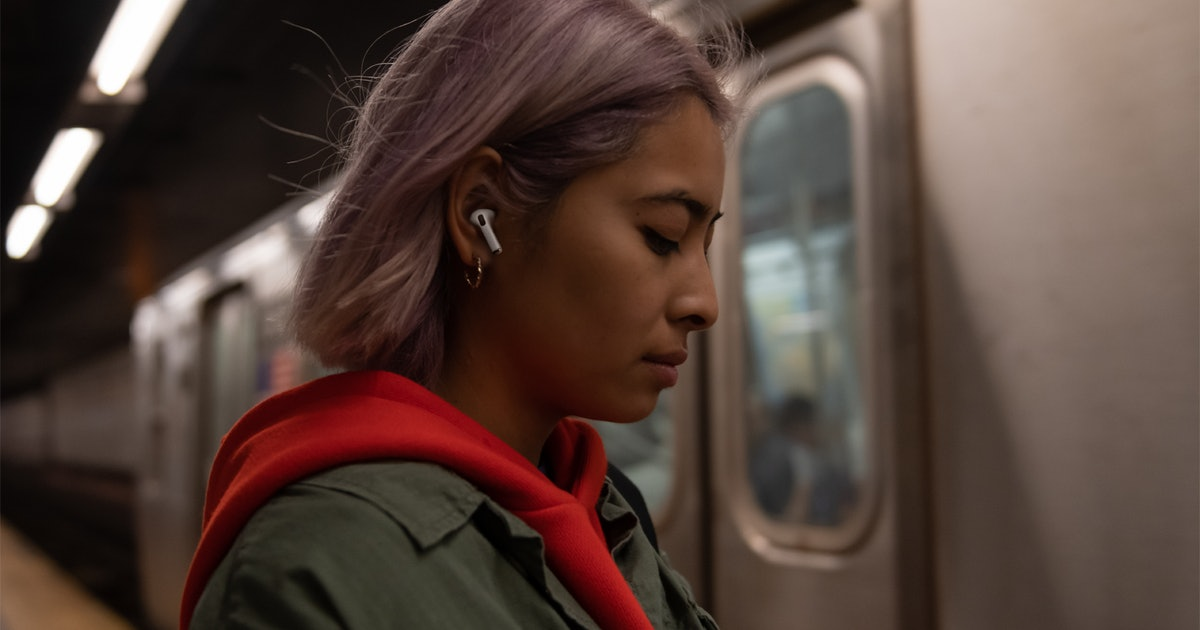 Here's How To Turn Off Active Noise Cancellation On AirPods Pro To Tune Back In