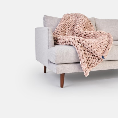 Dusty blush velvet weighted blanket from Bearaby x West Elm collaboration