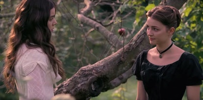 Hailee Stainfeld and Ella Hunt as Emily and Sue in Apple TV+'s 'Dickinson'