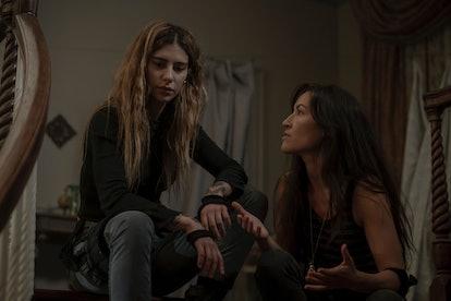 Nadia Hilker as Magna and Eleanor Matsuura as Yumiko in The Walking Dead Season 10, Episode 4