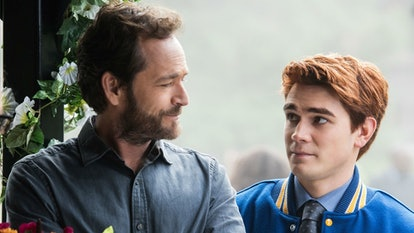 Luke Perry's 'Riverdale' tribute episode will feature the late actor's personal family photos.