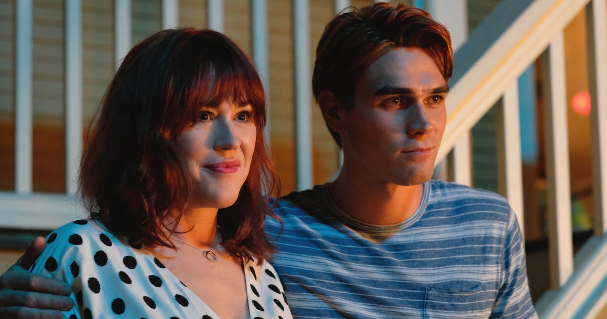 'Riverdale's Molly Ringwald Teases How Fred's Death Will Affect Season 4