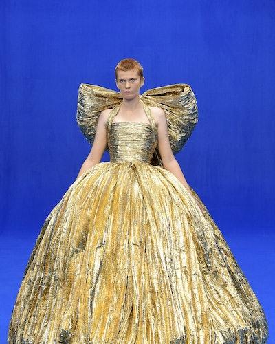 Voluminous gown runway trend spring 2020 at Balenciaga