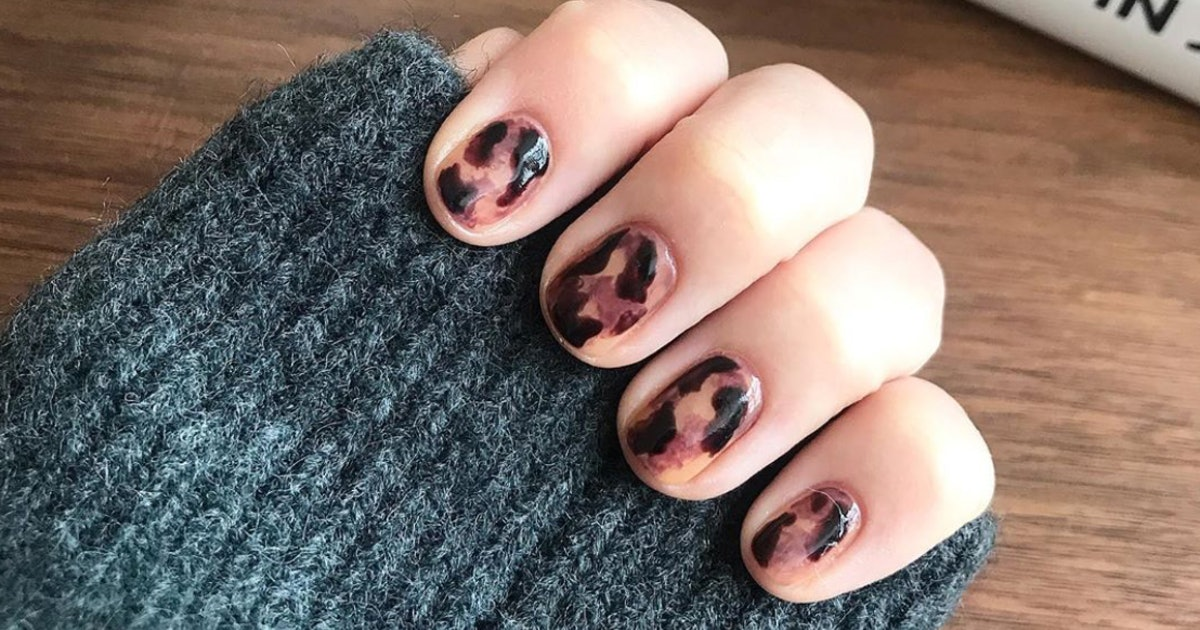 How To Create Tortoiseshell Nails, Because They're Instagram's Fave New Trend