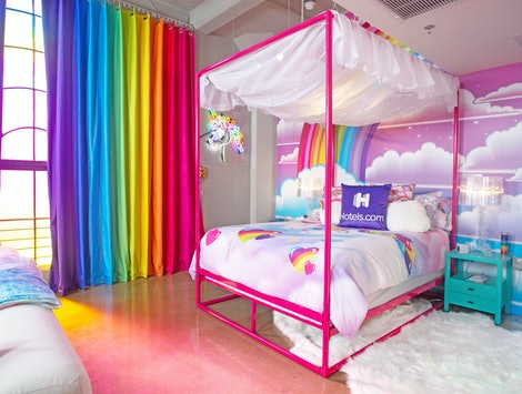 Hotels.com Lisa Frank Flat bedroom.