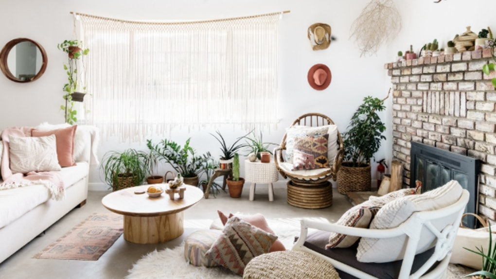 This cozy home with boho-chic decor is such a romantic Airbnb in the U.S. for couples to retreat to.