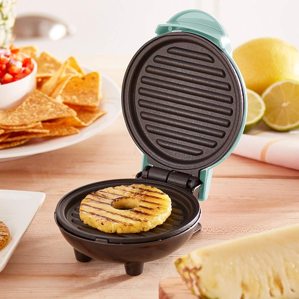DASH Mini Grill Machine