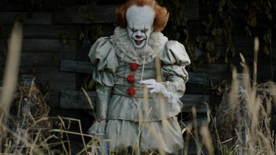 The terrifying clown from 'It: Chapter Two' is a top Halloween costume in 2019.