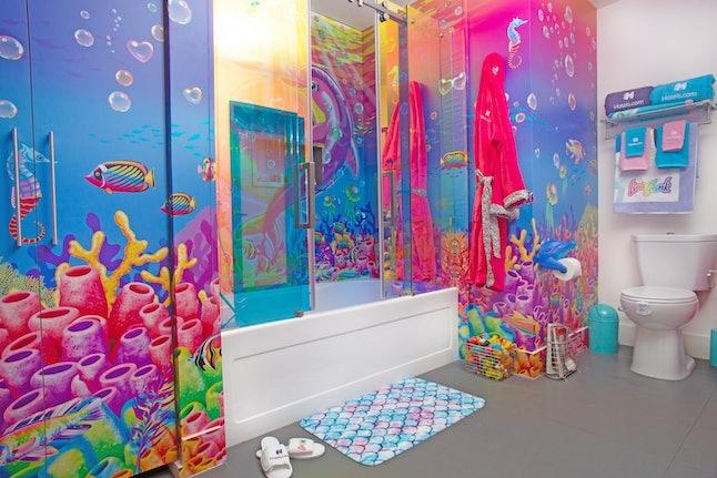 Hotels.com Lisa Frank Flat bathroom.