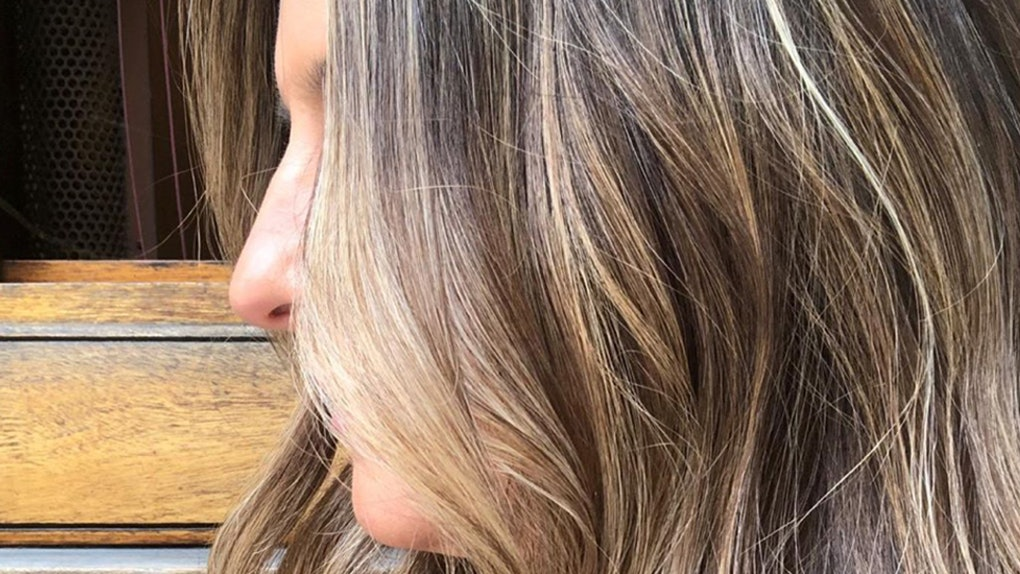 Does Highlighting Your Hair Damage It Here S One Colorist S Honest Advice