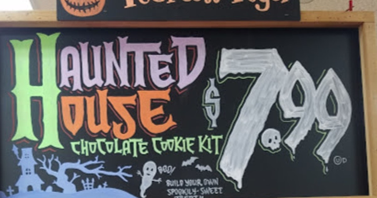 Trader Joe's Haunted House Chocolate Cookie Kits Are Better Than Gingerbread