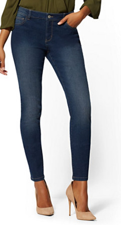 Mid-Rise Essential Skinny Jeans