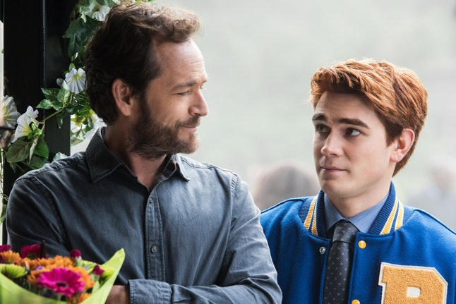 Luke Perry as Fred Andrews and KJ Apa as Archie Andrews in 'Riverdale' Season 1