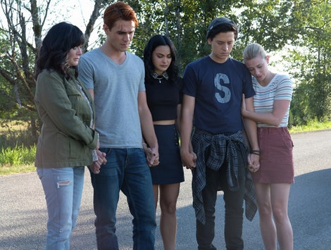 Shannen Doherty, KJ Apa as Archie, Camila Mendes as Veronica, Cole Sprouse as Jughead and Lili Reinhart as Betty in the 'Riverdale' Season 4 premiere