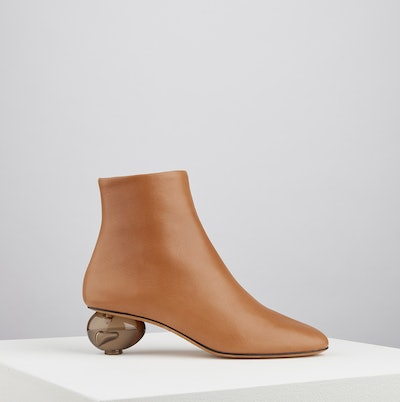 Egg Boots in Tan