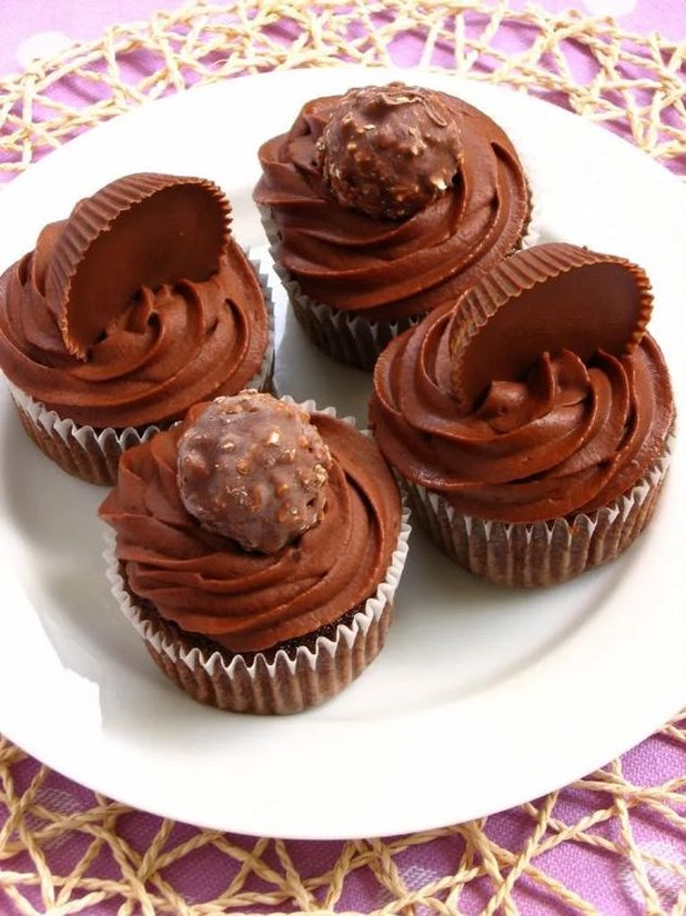 Things To Make With Leftover Halloween Candy, Wacky Candy Cupcakes With Ferrero Rocher and Reese's Cup