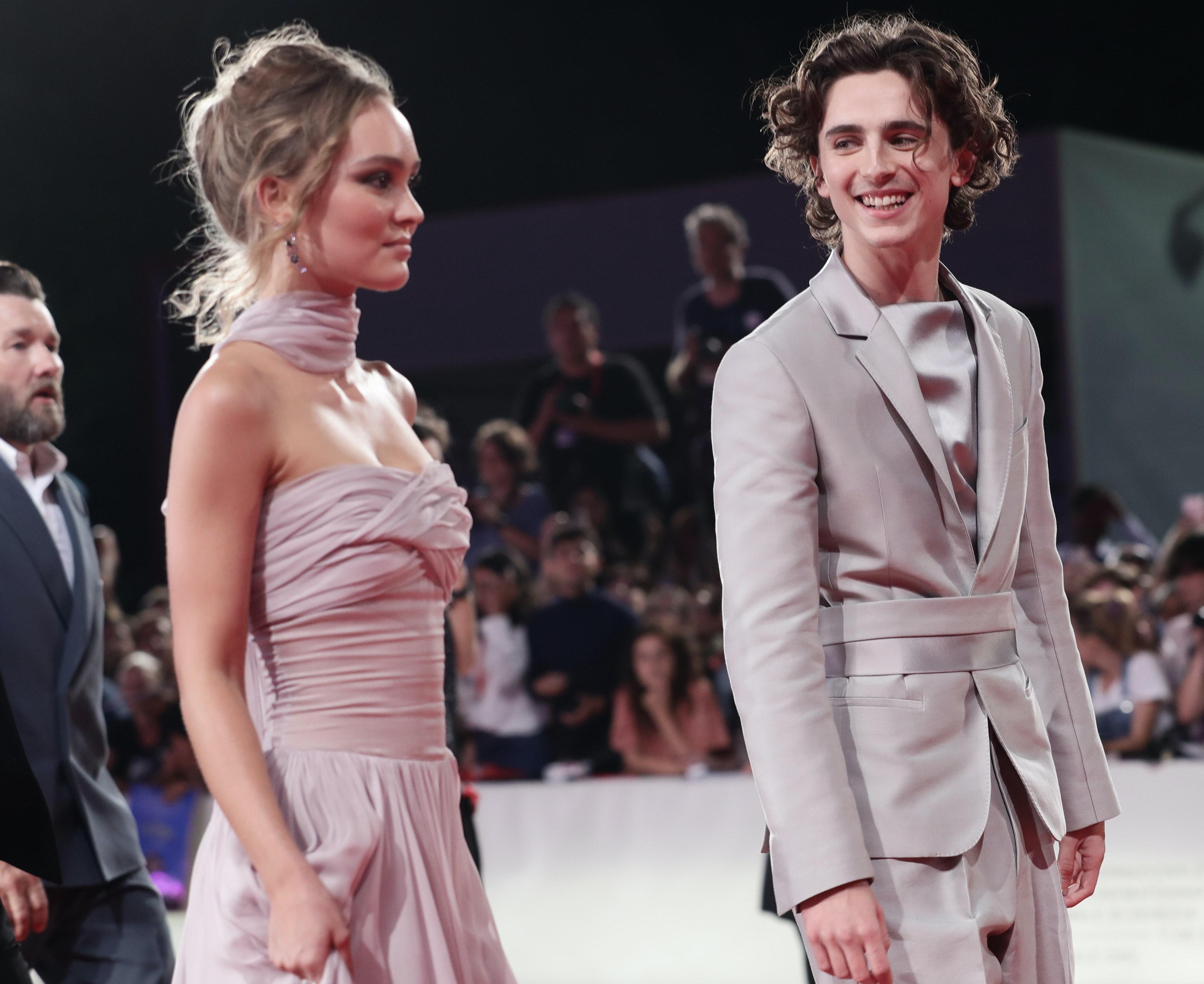 Timothee Chalamet Lily Rose Depp S Relationship Timeline Revolves Around The King